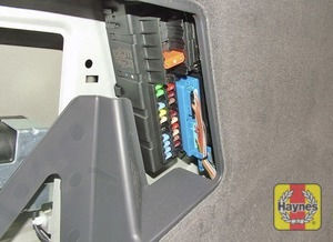 Illustration of step: Additional fuses are located on the left-hand side of the luggage compartment - step 3