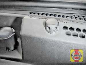 Illustration of step: Check the efficiency washer jet nozzles, are they aiming high enough on the windscreen? If needed, adjust the aim using a pin or a very small screwdriver - step 5