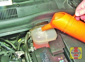 Illustration of step:  Add a mixture of water and antifreeze to the expansion tank until the coolant is up to the KALT/COLD level mark - Car care - step 22