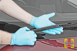 Illustration of step: Check condition of the wiper blades - step 8