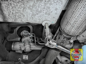 Illustration of step: Using a Torx 45 socket, carefully remove the sump plug and fully drain the oil - step 3