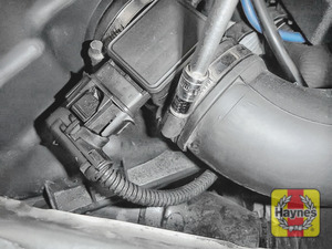Illustration of step: Undo the circular clip on the air intake using a 7mm socket - and release the air intake from the air filter body - step 3