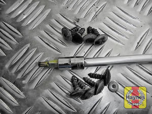 Illustration of step: Undo the 8 fixings - use a Torx-25 socket  - step 2