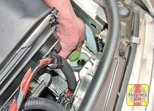 Illustration of step:  Unscrew the cap from the hydraulic fluid reservoir  - Power steering fluid level - step 38