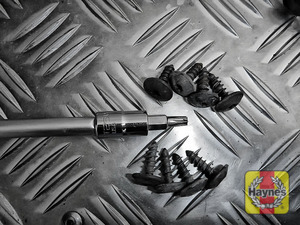 Illustration of step: Undo the fixings - use Torx-25 and Torx-30 - step 2