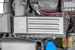 Illustration of step: Replace the air filter and reassemble the air filter housing - step 7