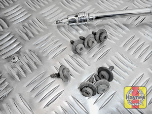 Illustration of step: Undo the fixings - use a Torx-27 socket - step 2