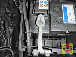 Illustration of step: Check the Positive (+) terminal clamp is tight - step 4