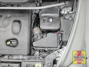 Illustration of step: Reassemble the air filter housing  - step 11