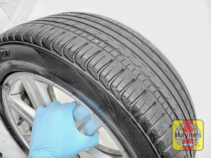 Illustration of step: Before refitting the tyres, take a look at the tyre tread - step 14