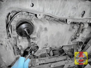 Illustration of step: Fit the correct socket securely onto the oil filter housing - step 3