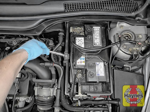 Illustration of step: Check the battery for movement and tighten if required - a 10mm socket is needed - step 5