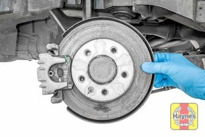 Illustration of step: Check the brake discs for condition - step 10