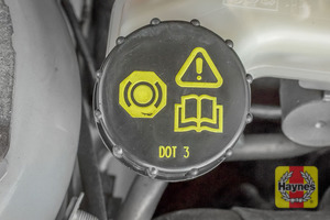 Illustration of step: Now securely replace and tighten the cap - step 4