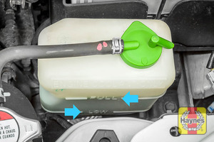 Illustration of step: Look for the MAX - MIN position on the side of the coolant reservoir - step 2