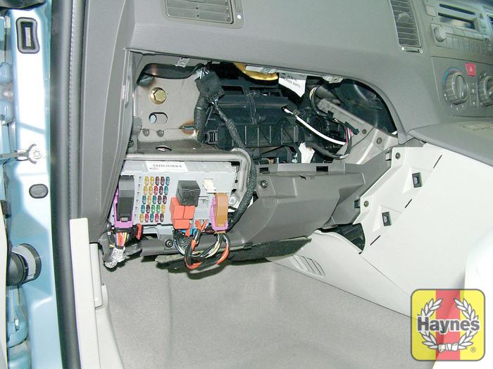 fiat idea 2004 2007 1 3 multijet fusebox and diagnostic socket rh haynes com  fiat idea fuse box diagram