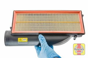 Illustration of step: Here is the air filter in position - step 13