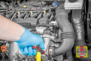 Illustration of step: Undo the second circular clip on the air intake, use a 7mm socket or a screwdriver - step 5