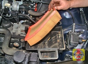 Illustration of step:  Note the rubber seal is at the top of the filter  - M43TU 4-cylinder engine - step 5