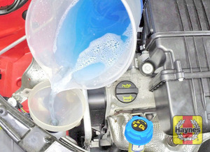 Illustration of step:  When topping-up the reservoir, add a screenwash additive in the quantities recommended on the additive bottle - Washer fluid level - step 37