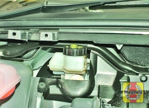 Illustration of step:  The brake fluid reservoir is located on the right-hand side of the engine compartment - Brake and clutch fluid level - step 27