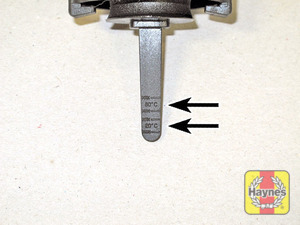 Illustration of step:  MAX and MIN marks on the dipstick are given for 80°C and 20°C  - Power steering fluid - step 54