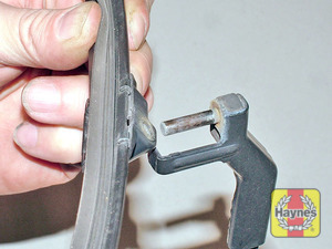 Illustration of step:   - Front wiper blades - step 6