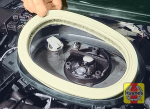 Illustration of step:  Lift off the lid and remove the element  - Fuel injection models - step 18