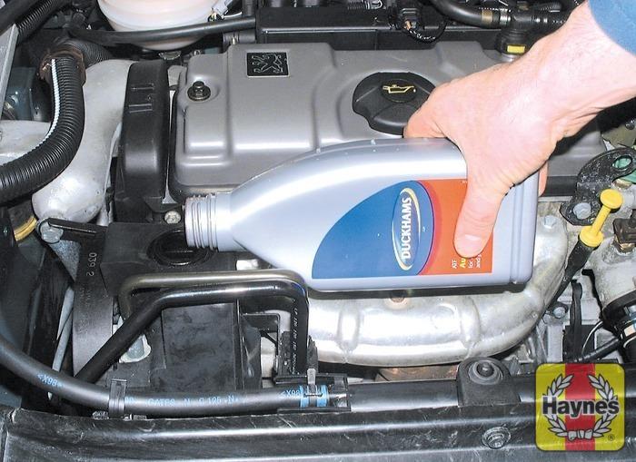 Peugeot 206 1998 2009 11 Fluid Level Checks Haynes Publishing