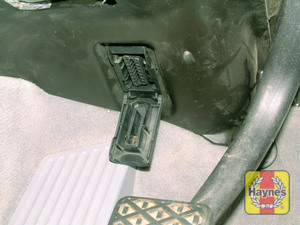 Illustration of step: The 16-pin diagnostic socket it located under the driver's side of the fascia - step 2