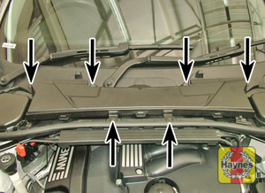 Illustration of step:  Undo the bolts and remove the pollen filter cover  - M57T2 6-cylinder engines - step 9