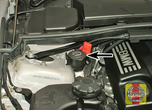 Illustration of step:  The screenwasher fluid reservoir is located at the right-hand side - Screenwasher fluid level* - step 44