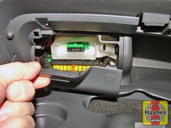 Citroen C2 (2003 - 2010) 1.1 - Fusebox and diagnostic socket ... on peugeot 206 fuse box, vw passat fuse box, fiat stilo fuse box, mercedes sprinter fuse box,