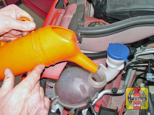 Illustration of step:  Add a mixture of water and antifreeze to the expansion tank, until the coolant level is up to the MAXI level mark - Car Care - step 20