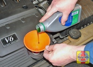 Illustration of step:  Top-up the level, adding only a small amount of oil at a time - Car care - step 14