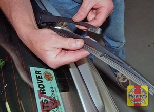 Illustration of step:  Don't forget to check the tailgate wiper blade as well (Tourer models), which unclips directly from the arm - step 3