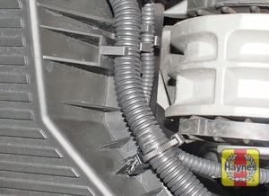 Illustration of step:  Release the wiring loom from the air filter cover  - MINI One/Cooper - step 3
