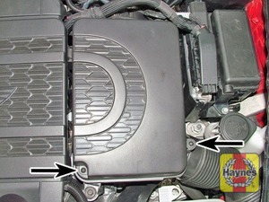 Illustration of step:  Air filter cover screws (arrowed) – N47 engines  - step 4