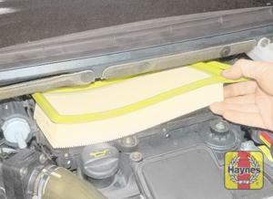 Illustration of step: Remove the filter element - 1.4 litre engines - step 4