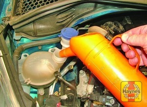 Illustration of step:  Add the specified coolant to the expansion tank until the coolant level is correct - Car care - step 21
