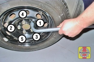 Illustration of step:  Securely tighten the wheel bolts in a diagonal sequence then refit the wheel trim/ hub cap/wheel bolt covers (as applicable) - step 8