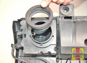 Illustration of step:  Remove the rubber grommet  - Engine codes BCA, BAG, BKG, BLF, BLN, BLP, AXX, BPY and BWA - step 10