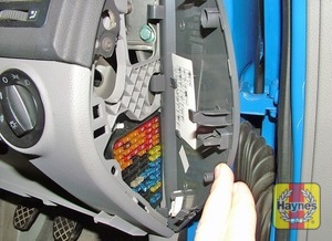 Illustration of step: Unclip the panel from the drivers side of the facia to access the fusebox - step 1