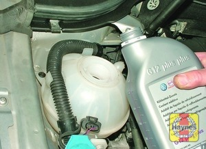 Illustration of step:  Add a mixture of water and antifreeze to the expansion tank until the coolant level is on the MAX mark - Car care - step 18