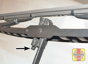 Illustration of step:  Two different types of wiper blades may be fitted - step 3