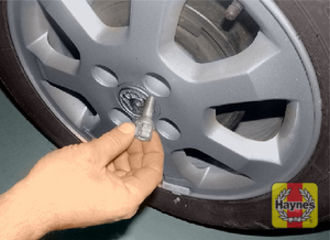 Illustration of step:  Remove the bolts and lift the wheel from the vehicle - step 7