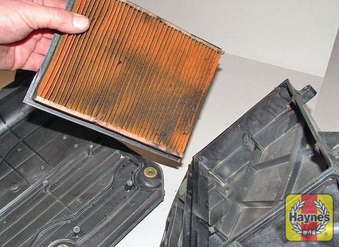 how to change air filter for ford fiesta 2011
