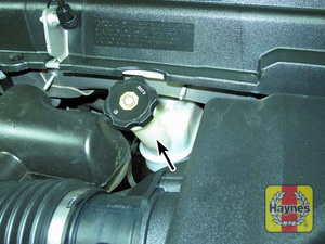 Illustration of step: 3 The brake fluid reservoir is located at the left side of the firewall - Brake fluid - step 31
