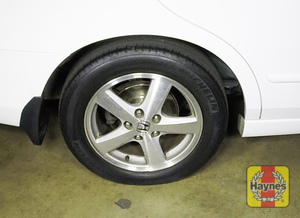 Illustration of step: It is a similar procedure with the rear wheels - step 8
