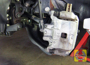 Illustration of step: Take a good look around brake system and the suspension arm, check for any leaks - step 8